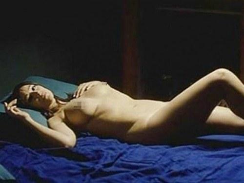 Monica Bellucci Al Desnudo A Sus Os Serperuano