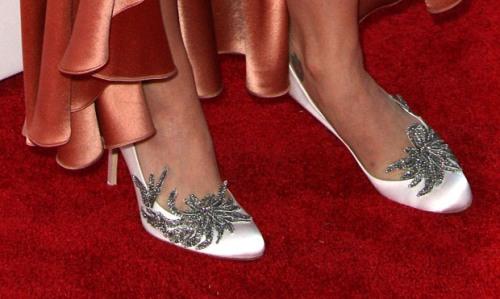 katy perry viste los zapatos de la boda de kristen stewart en