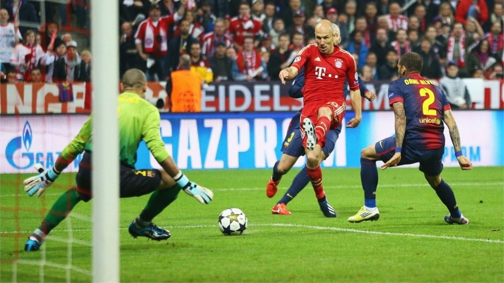 Bayern Munich vs  Barcelona - FIFA 4