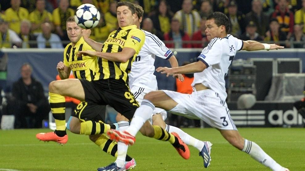 Borussia Dortmund vs Real Madrid - UEFA 2