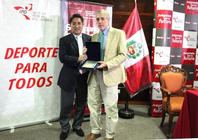seminario 5 Director Nacional de Capacitación Oscar Hamada y periodista Jorge Barraza
